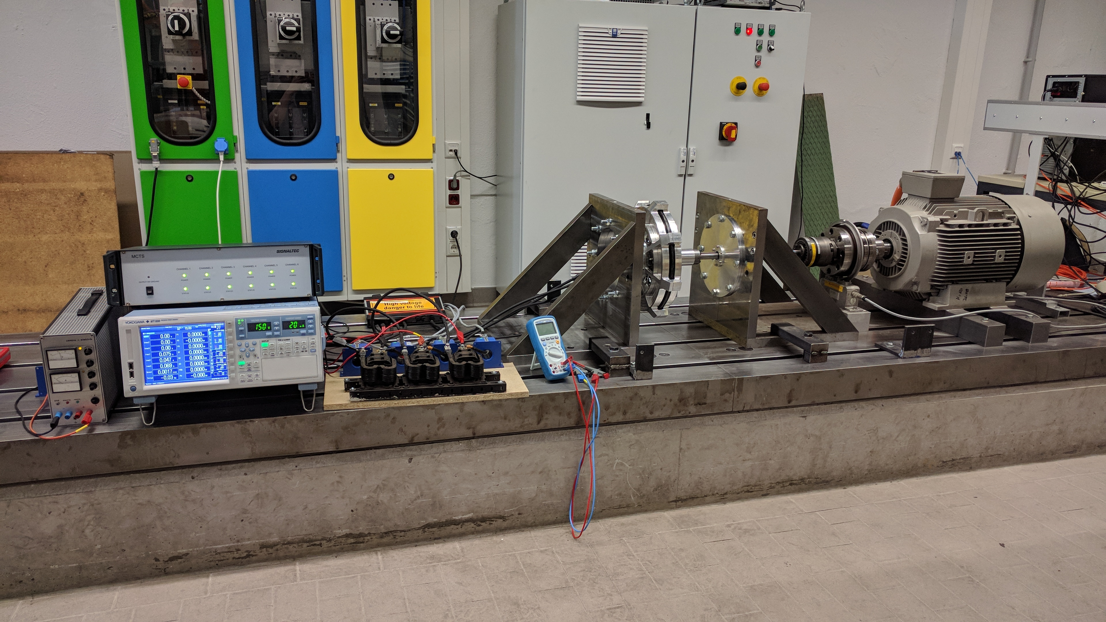 The test bench setup for the measurement of the electric motor at the IEM